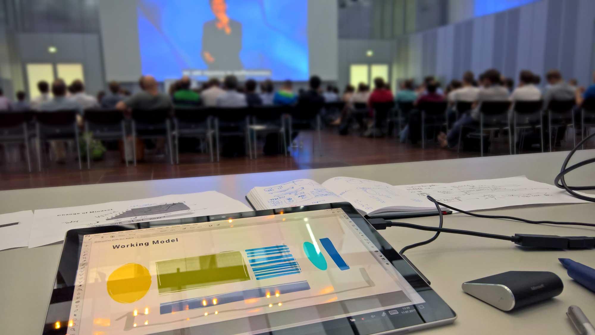 """Digitales Graphic Recording für das """"bessere"""" PowerPoint nutzen"""